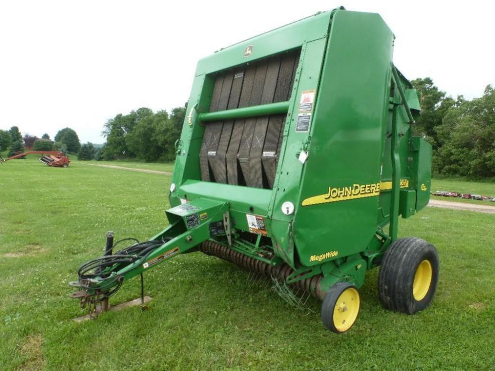 YEAR: 2003 MAKE: John Deere MODEL: 567 round baler SERIAL